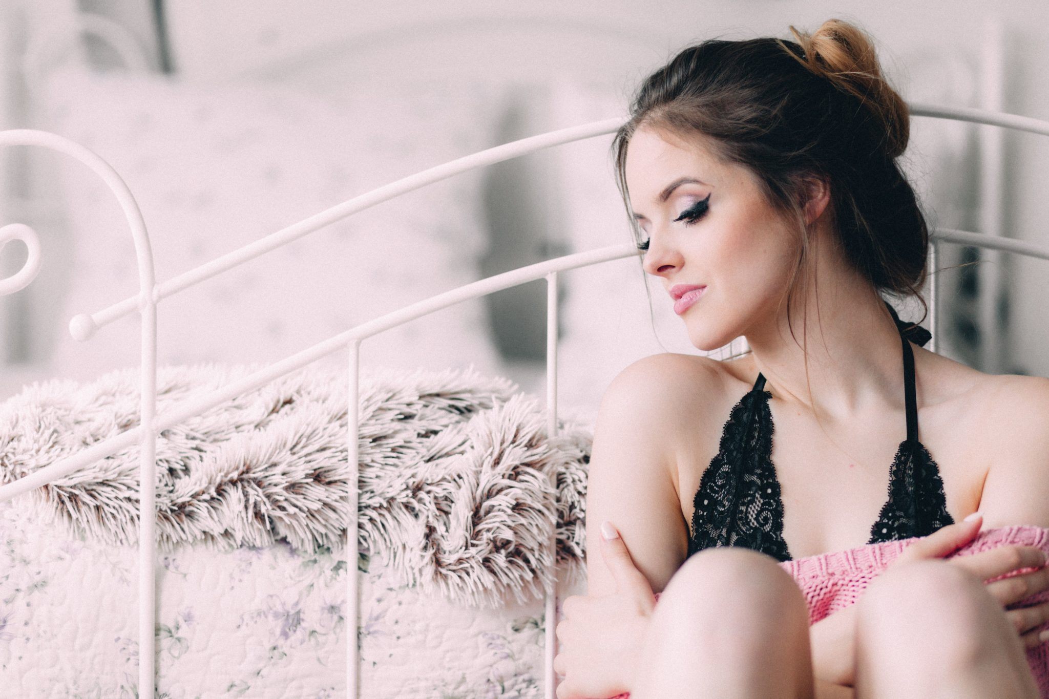 6 Reasons To Do A Boudoir Photo Shoot Before Your Wedding